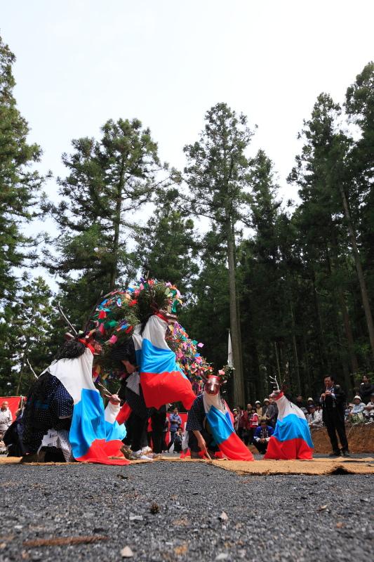 三滝神社春祭り(八つ鹿踊り、愛媛県西予市城川)_2イメージ1