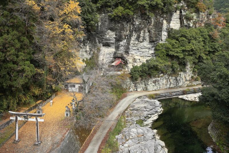 蜂須神社_11月(徳島県つるぎ町)イメージ1