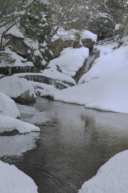 滑床渓谷_1月(雪、愛媛県松野町)_2イメージ1